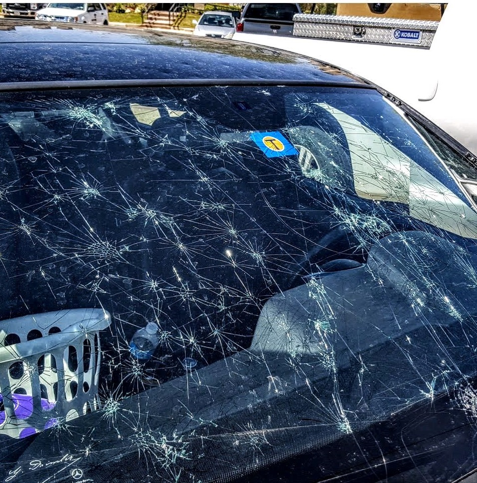 Top 5 mon Reasons Windshield Chips & Cracks Occur